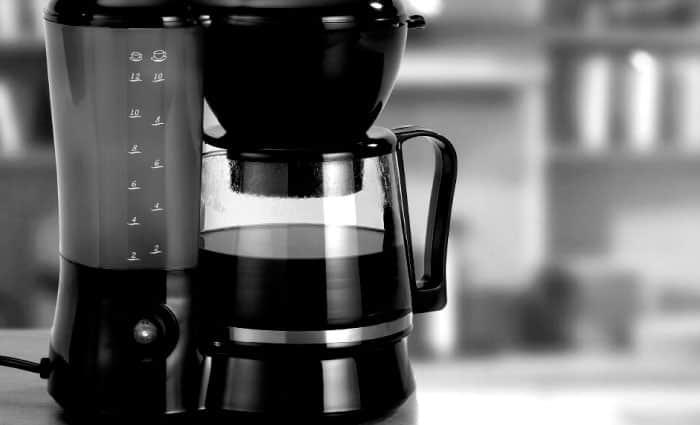 ¿Cómo preparar café en una cafetera eléctrica?